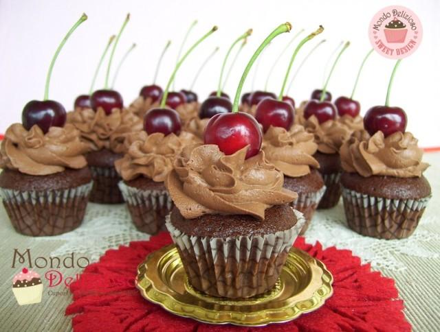 Cupcakes al Cioccolato Fondente con Mousse Fondente