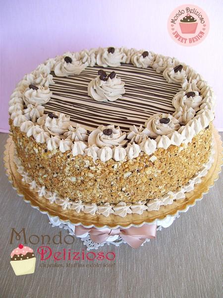 Torte di compleanno a ciascuno la sua mondo delizioso for Decorazioni torte uomo con panna
